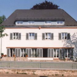 Gotha, Schöne Allee 9 - 1935 im Stil der Moderne vom Bauhaus-Schüler Theo Kellner erbaut